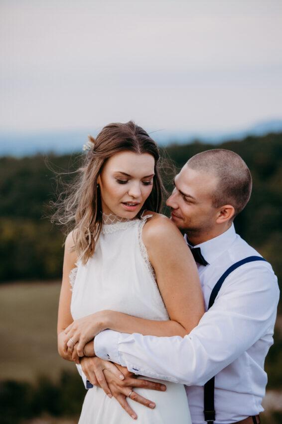 Hochzeitsfotografie - Paarfoto einer Vintagehochzeit in Falkenstein Niederösterreich